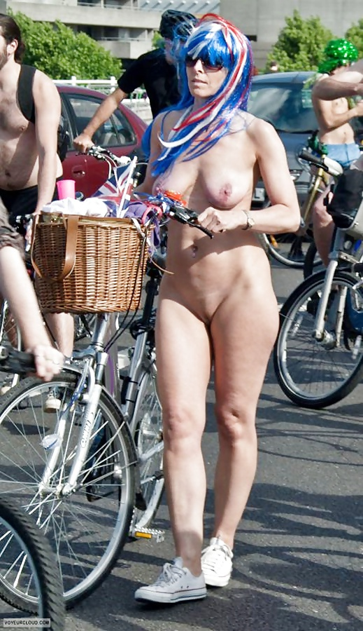 pink-world-nude-woman-woman