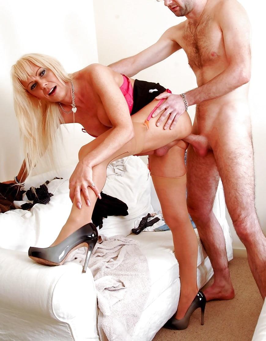 porno-video-transvestit-sekretarsha