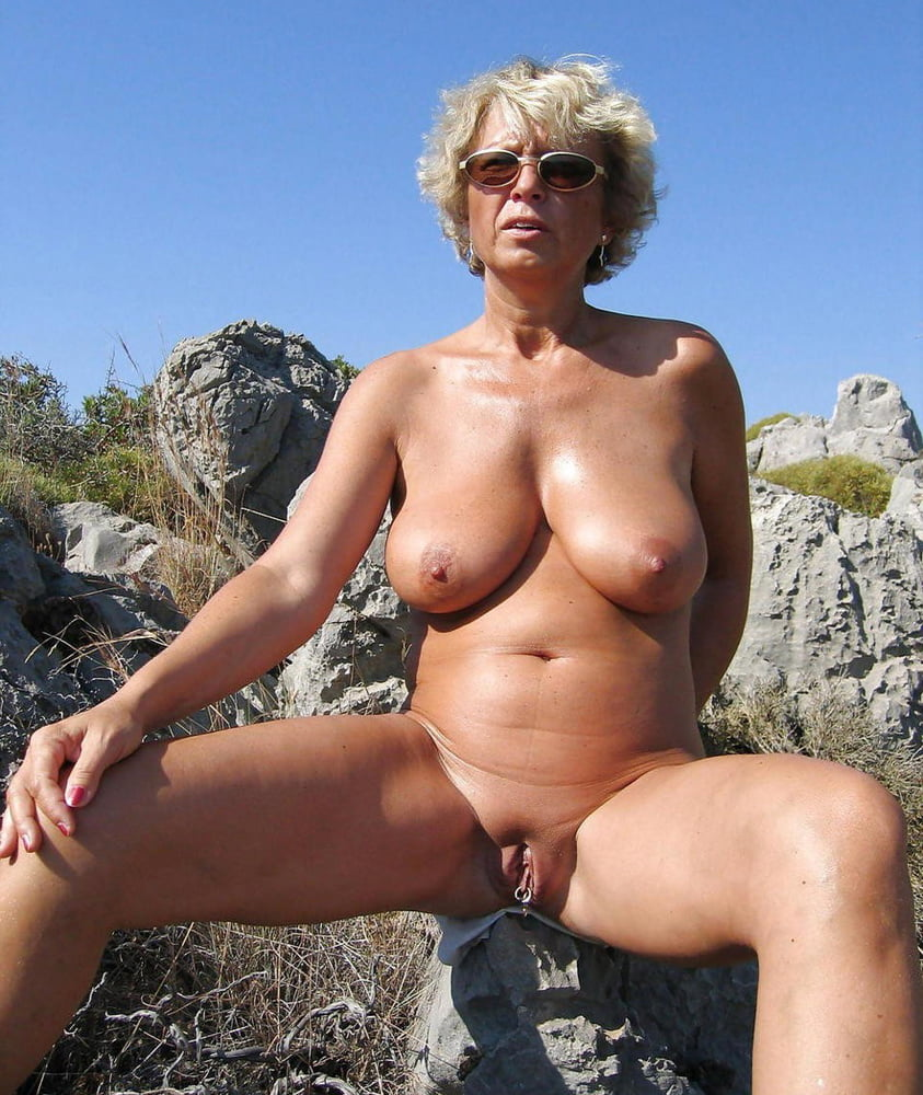 Amateur granny nude