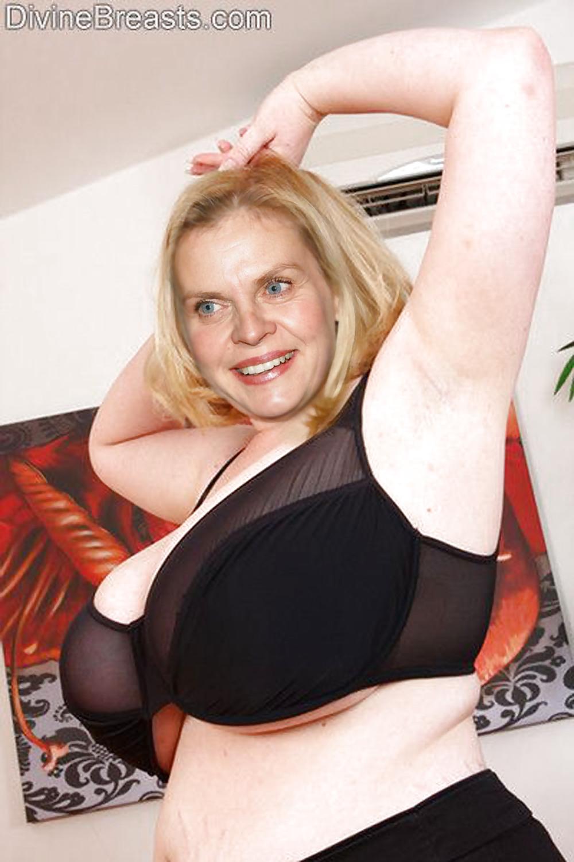 Isabelle Nanty  nackt