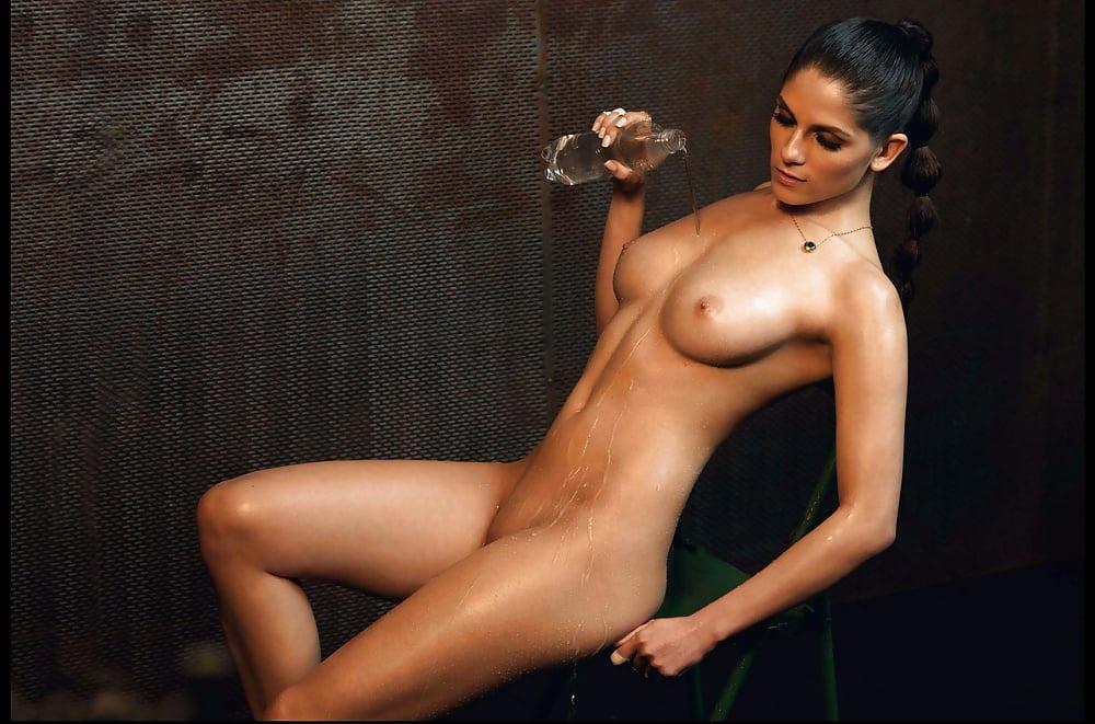 Ufc Ring Girl Brittney Palmer Posed Nude The Nip Slip
