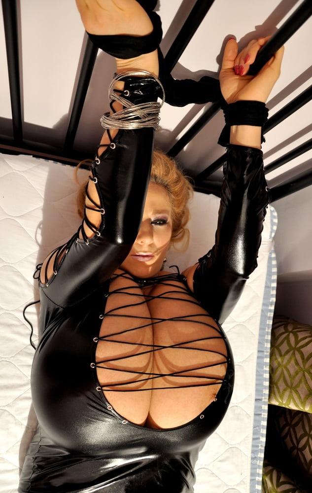 Xxx huge black tits-4048