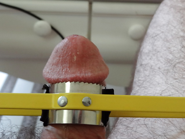 How to increase penis girth using the clamping method