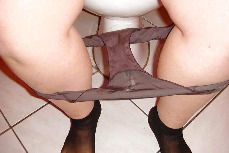 Секс фото ношеные колготки грязное трусы испачканные, про пизденку посмотреть
