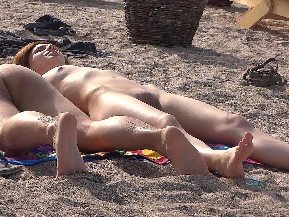 erotico-new-voyeur-sites-nude-skinny