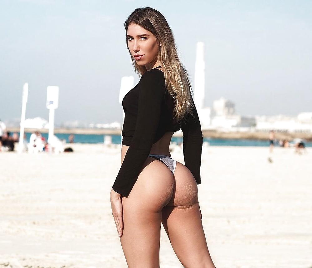 Big booty blonde xxx