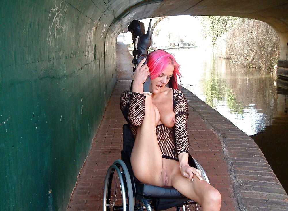 nude-handicapped-babes