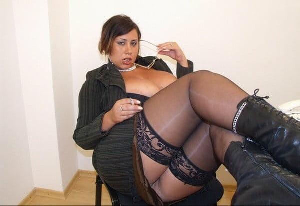 Нет порно фото толстой секретарши