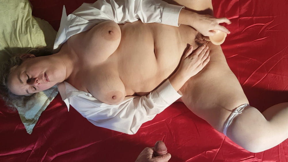 Naked chubby amateur-3399