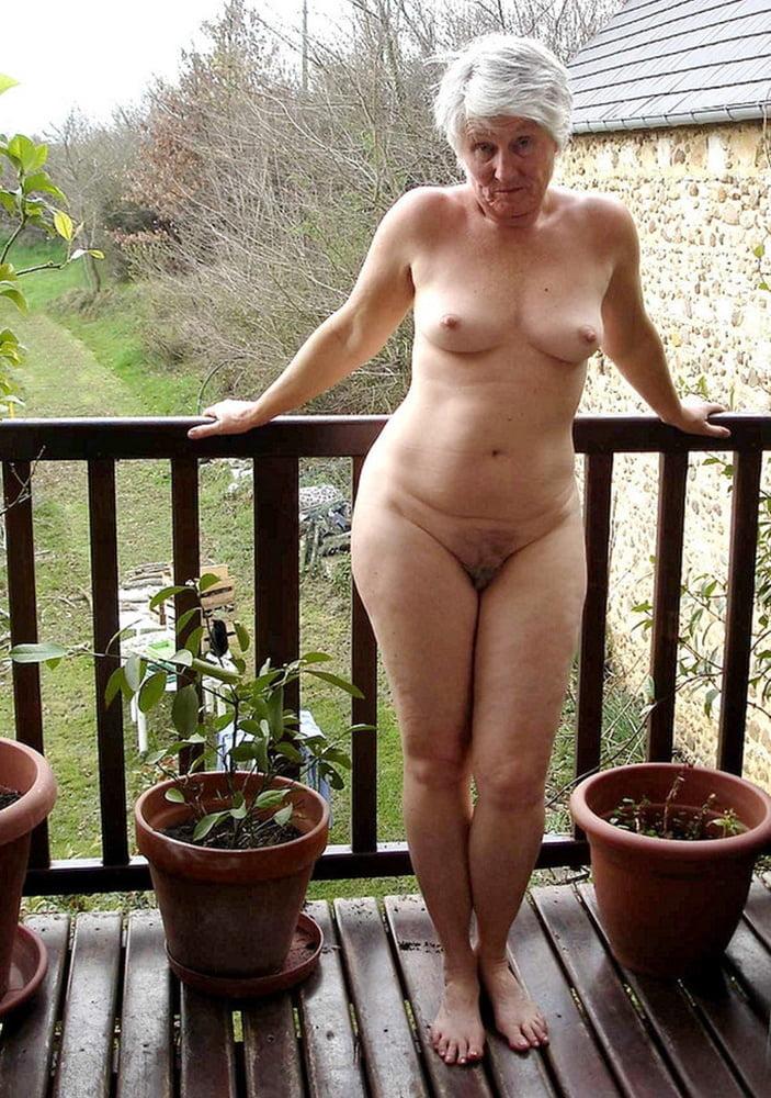 Старые голые женщины фото, ебать тетку в сраку