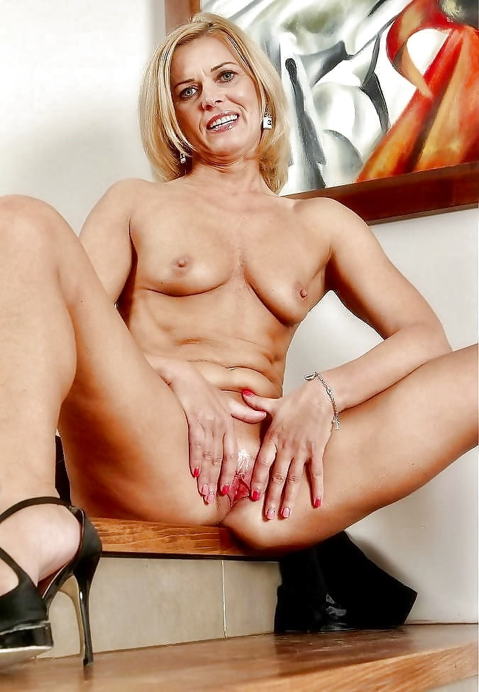 Fake celebrity carrie mcgwire milf load