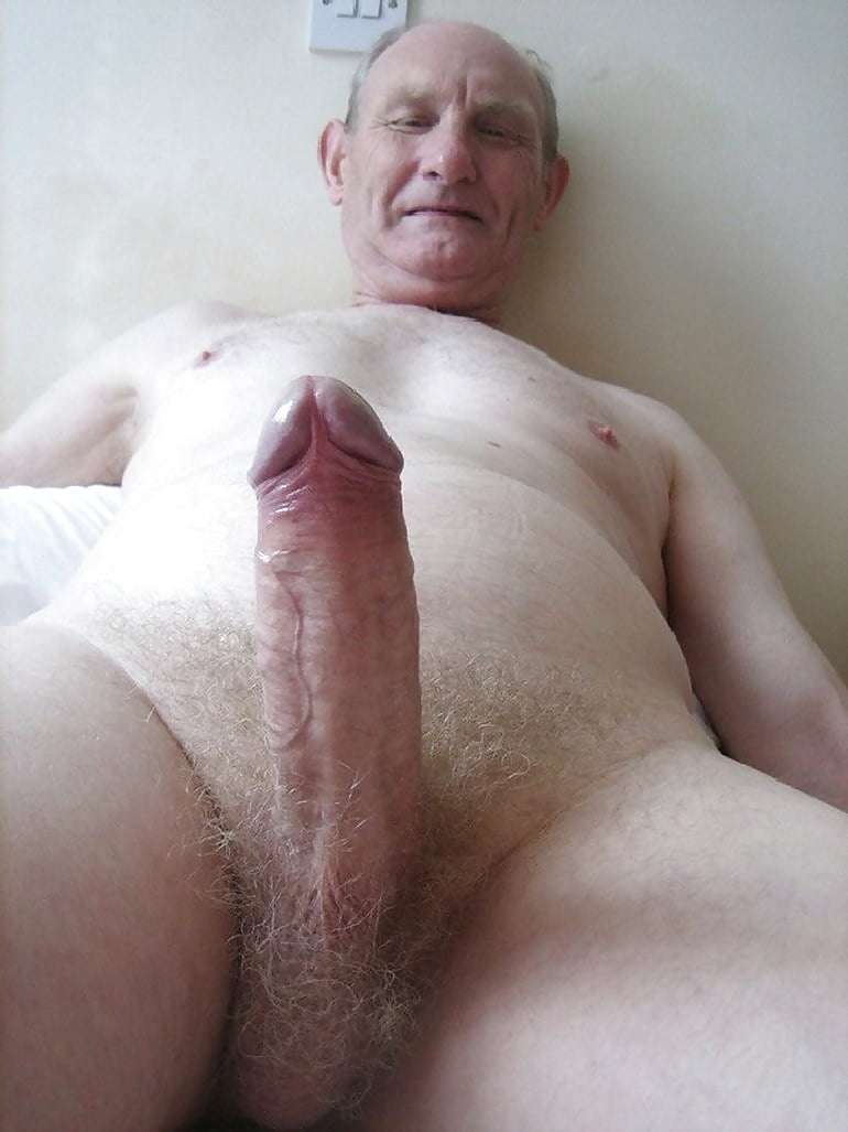 Old penis rams young pussy and mouth