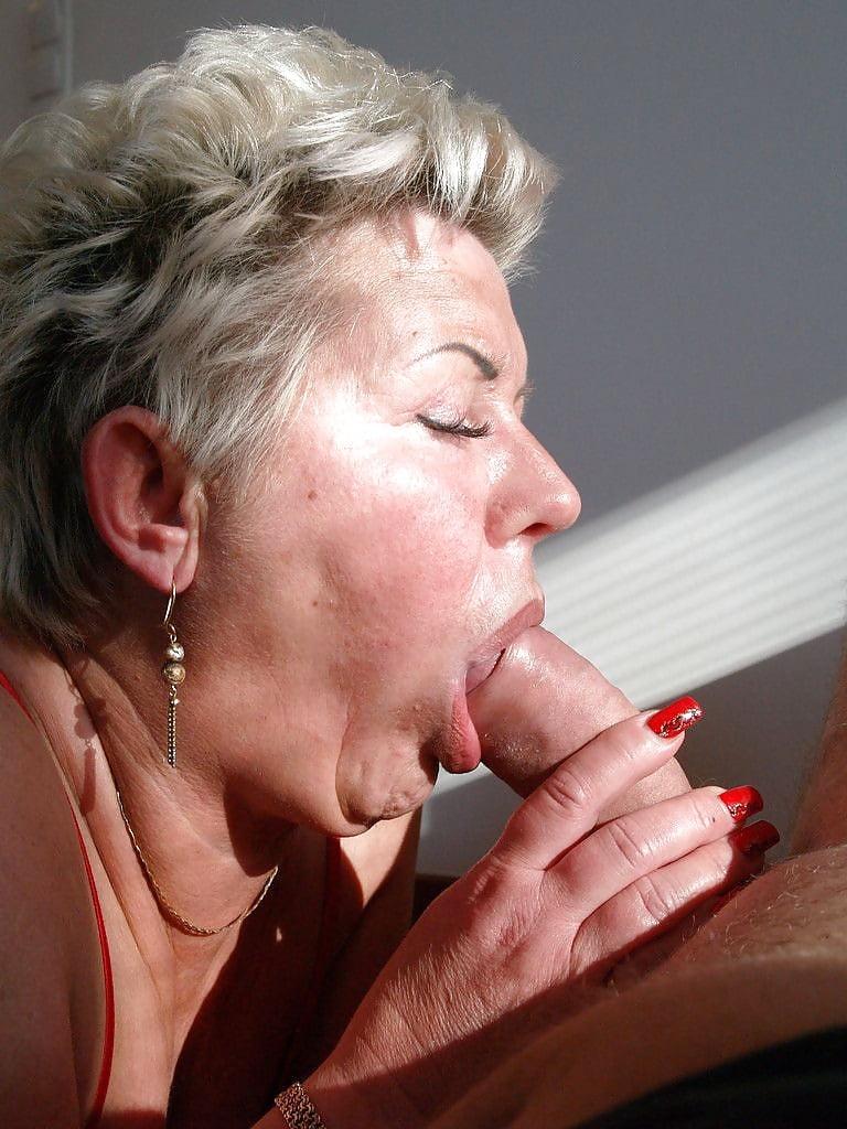 Секс миньет порно с старыми бабами