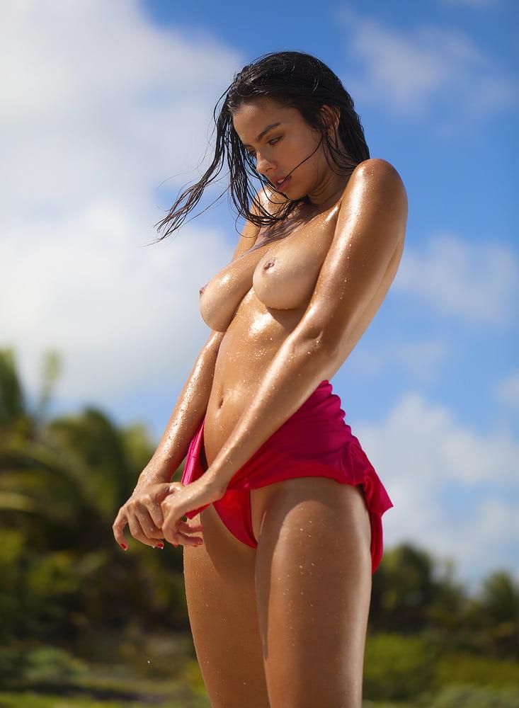 Priscilla Huggins - 19 Pics