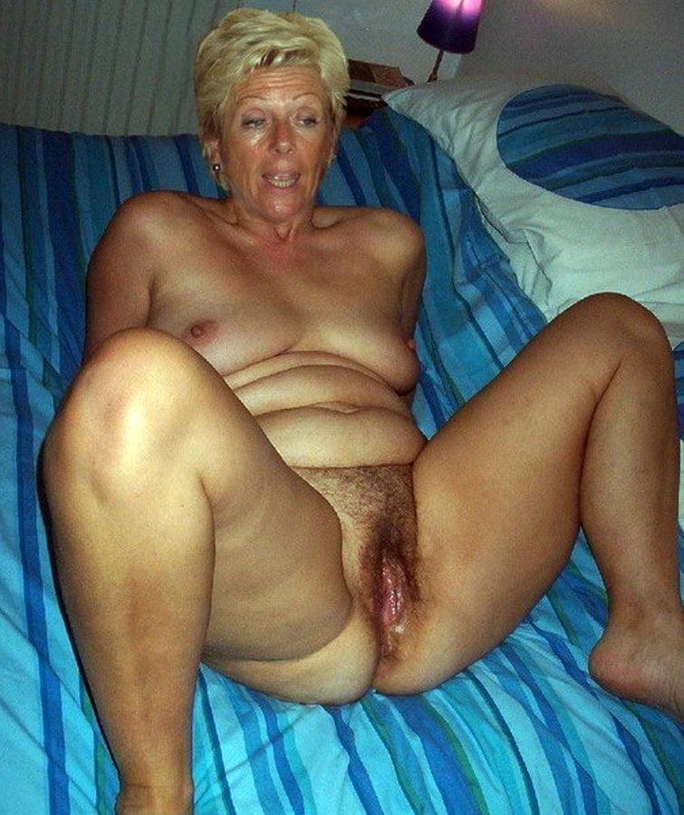 Horny older women near me-6207
