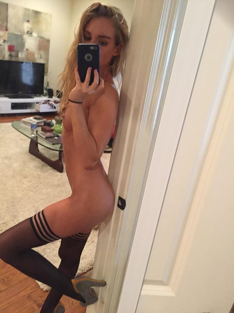 Skinny naked selfies — pic 4