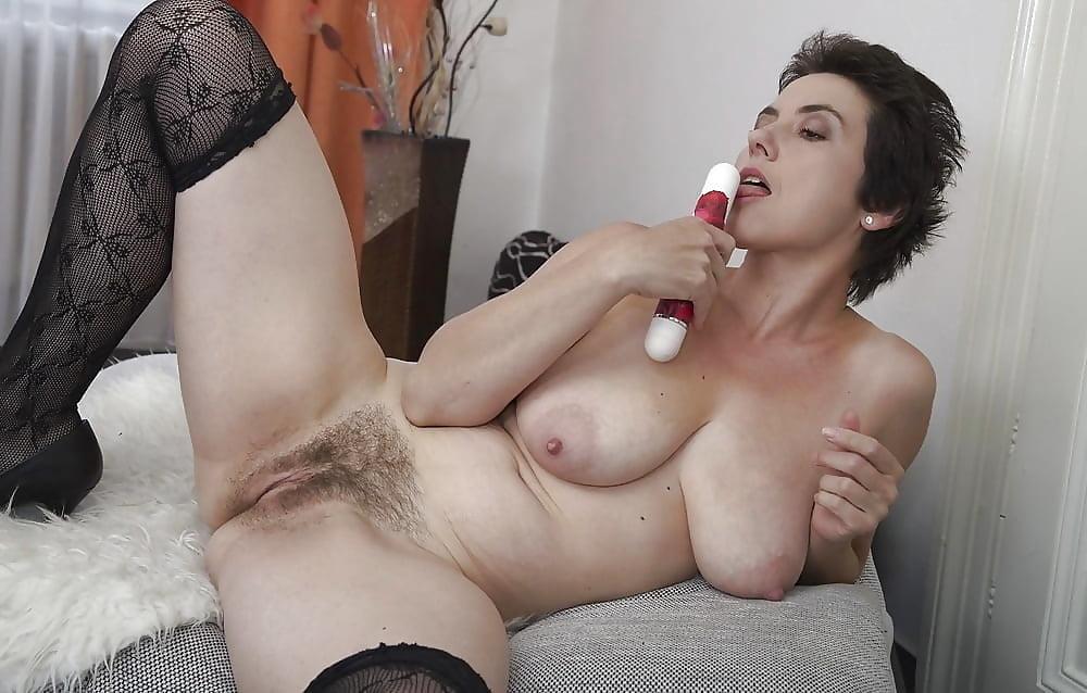 Галерея порно мамочек волосатых — photo 8