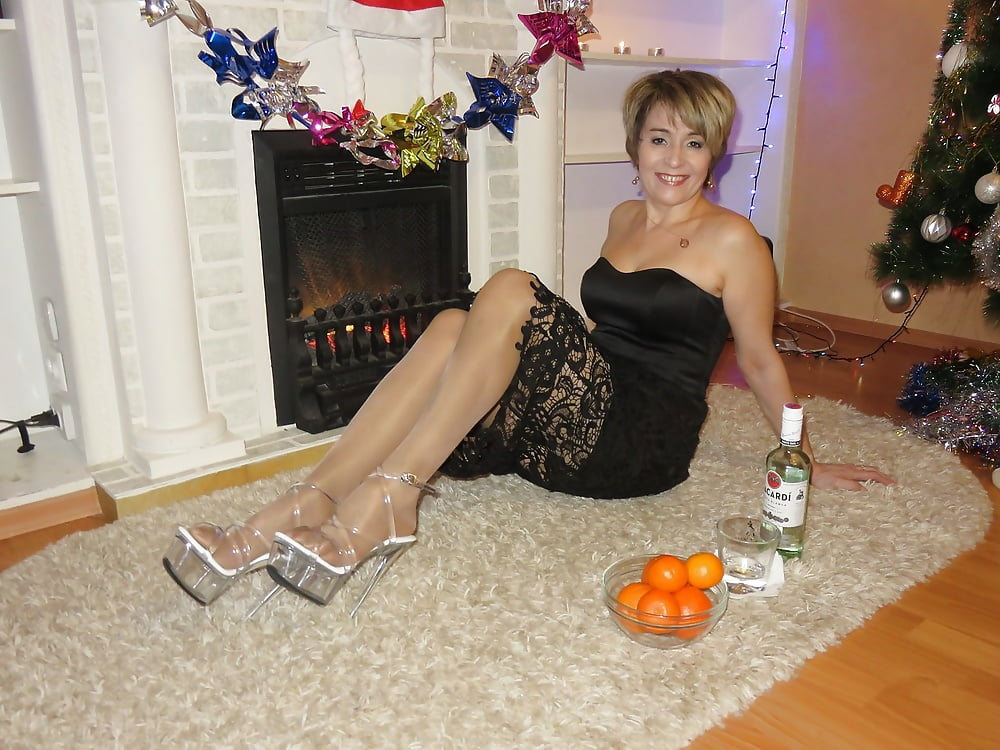 breasts-pam-mature-and-sex-dating-site-desi-moms