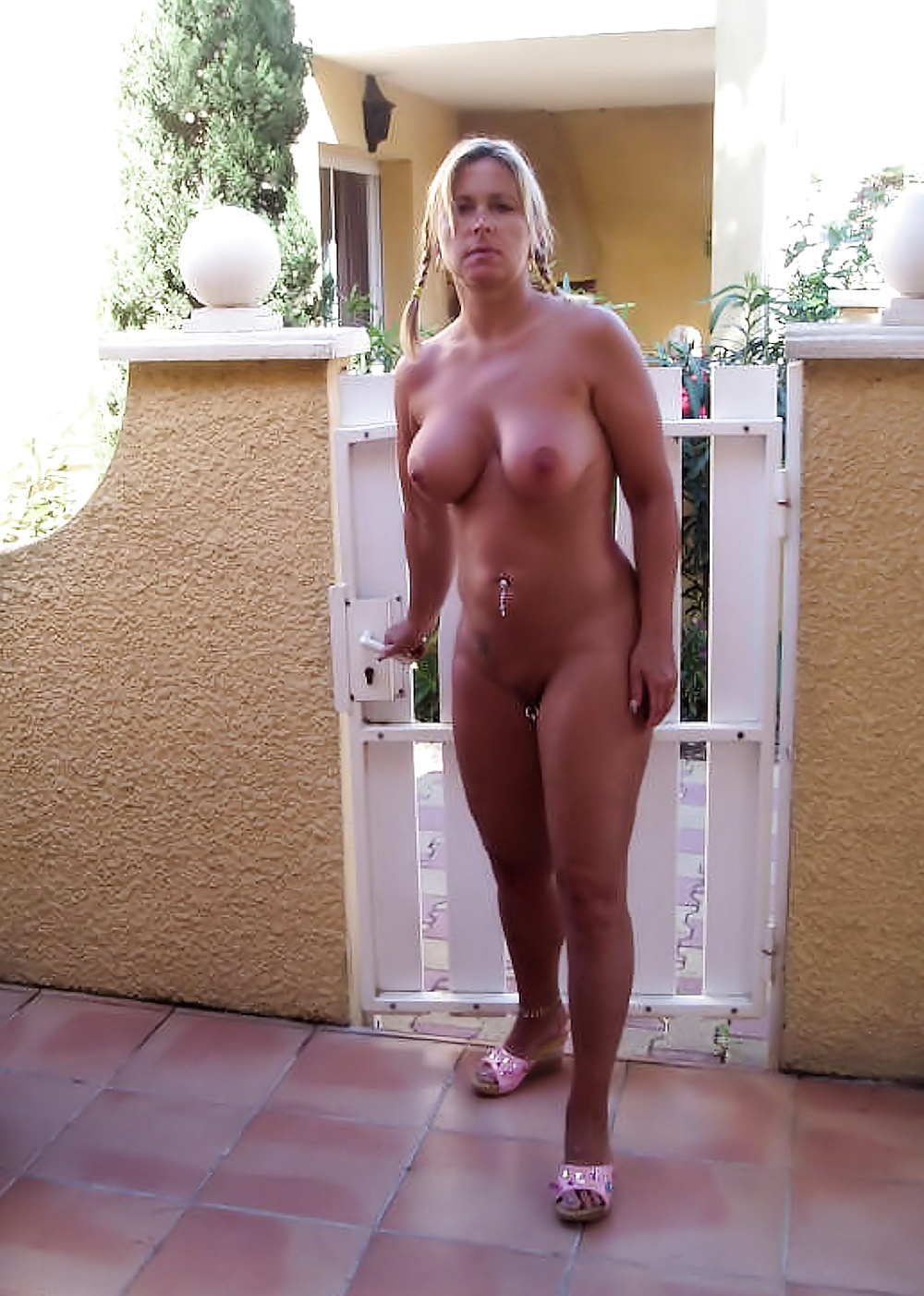 Mom walking around the house nude, robin wrig