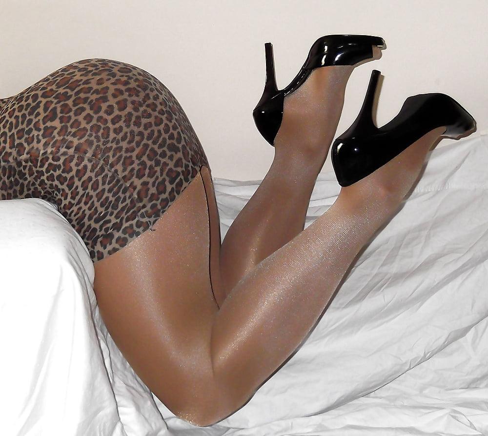 Amateur pantyhose pics