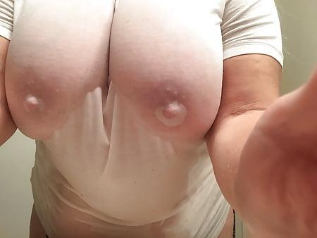 boobs t in mature shirt Utube