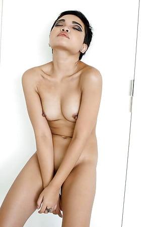 Sexy Dagi Bee Naked Scenes