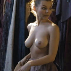 Eline Powell Topless