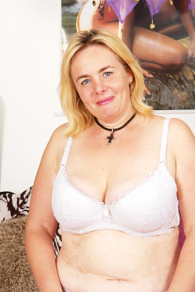 Rare Chubby Big hanging Tits MILF get Rough Fuck by Boy - 24 Pics