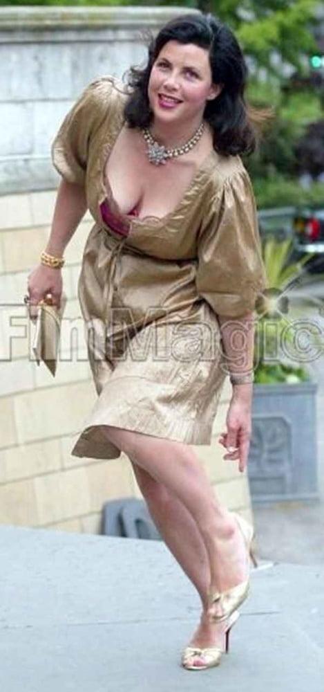 Kirstie Allsopp - 15 Pics