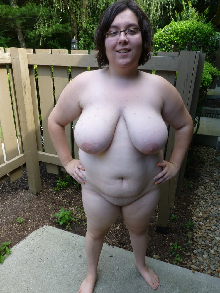 Watch exhibitionist bbw with hourglass body strips and plays with pussy