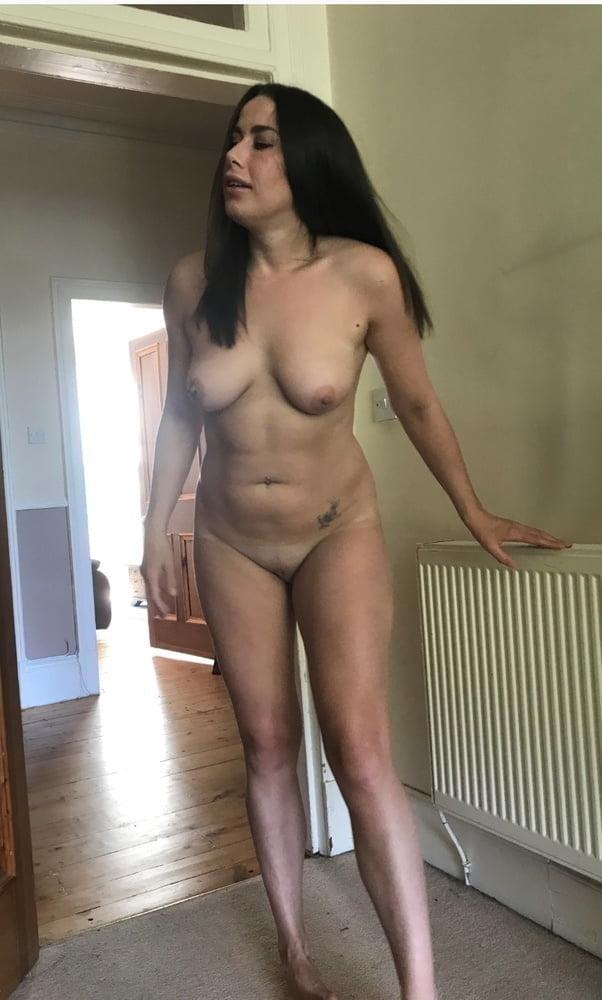 More hot women- 53 Pics