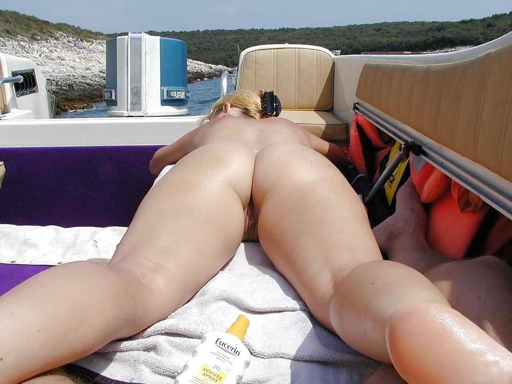 Lovely French Wives Suck Dicks