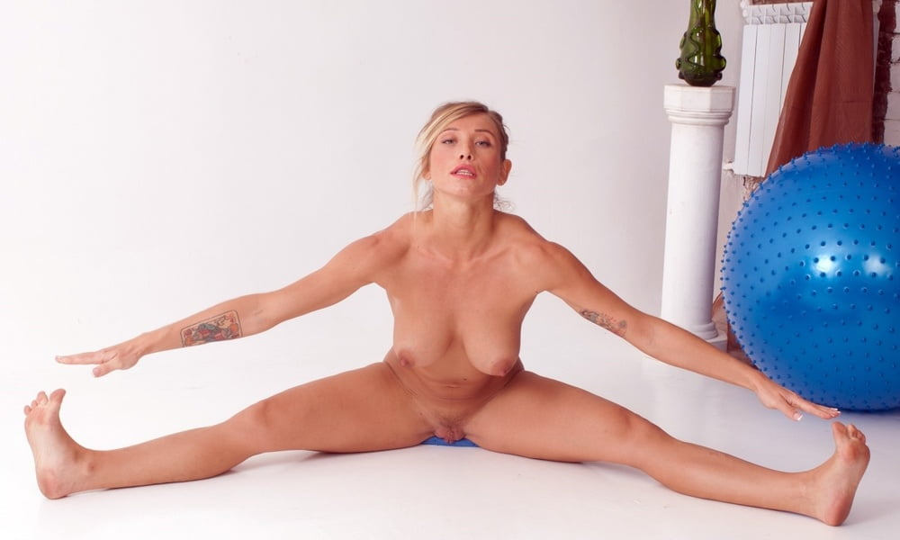 Wife doing yoga naked, friends mom porno
