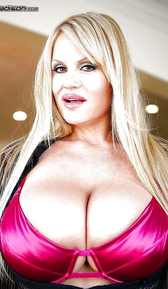 Sexy Mature 1 - 23 Pics
