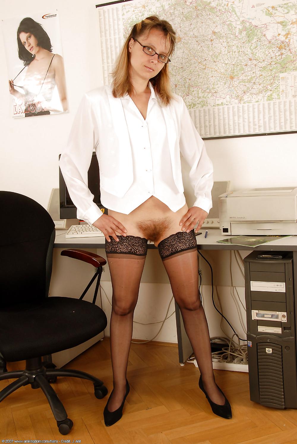 удобно пизды волосатые секретарши вас