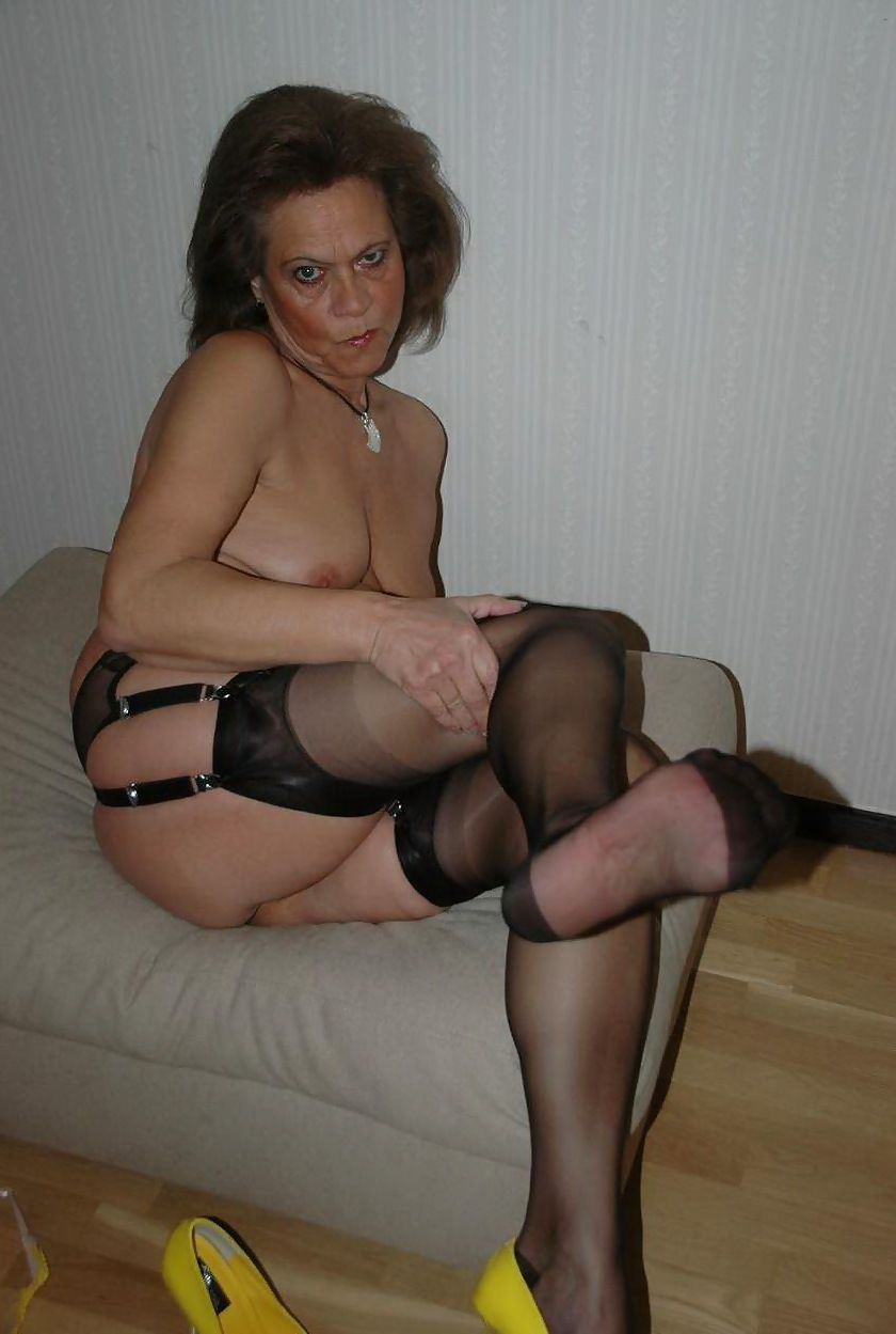 stocking ff Mature in videos ladies