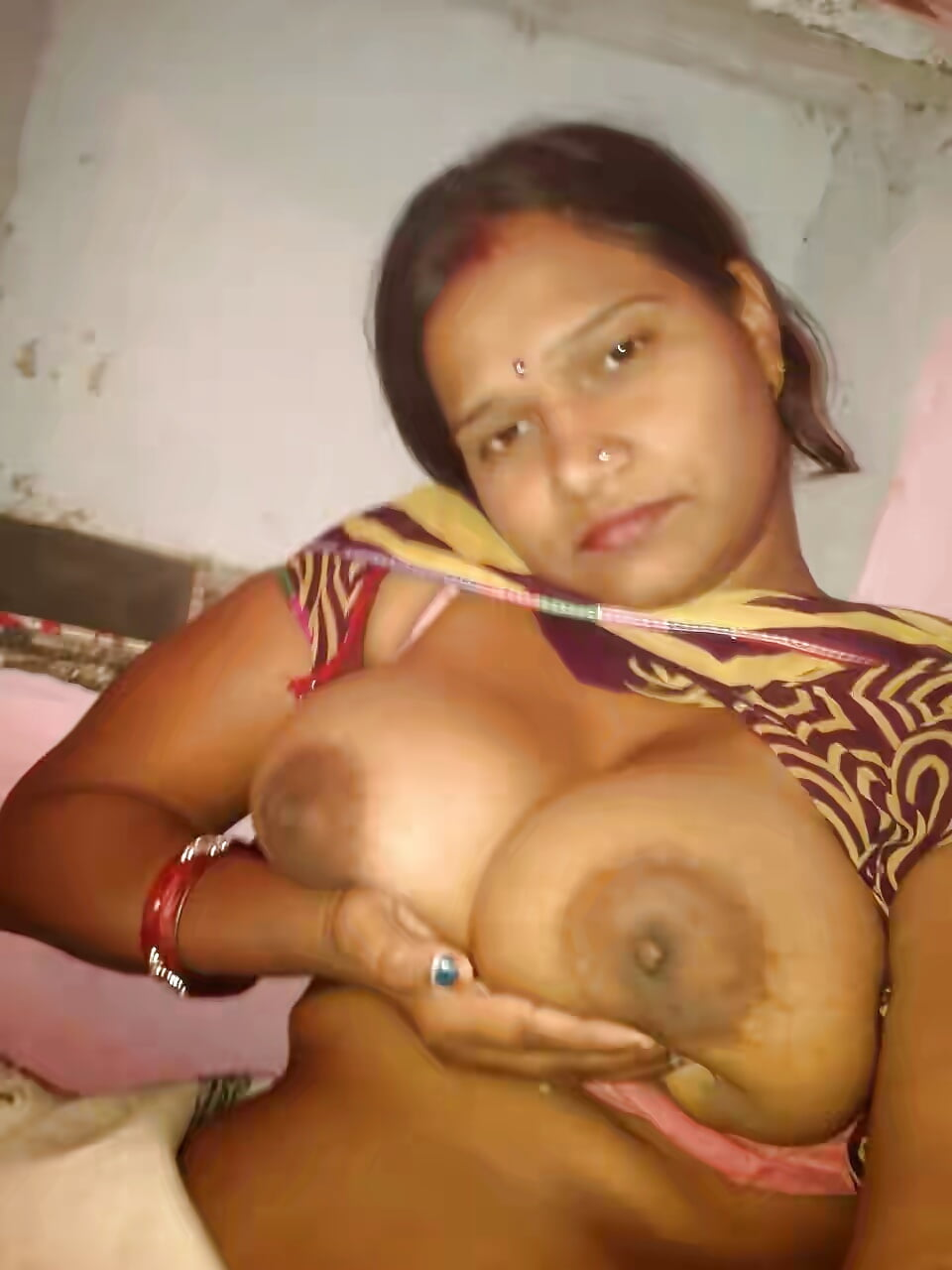 village-bhabhi-naked-pic