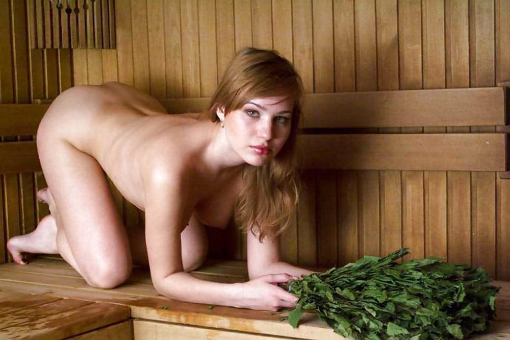 в бане одни голые женщины некоторое