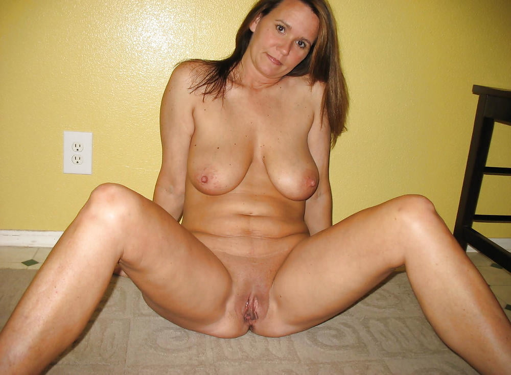 Hot Naked Milfs Sex, Free Nude Mom Porn Pics