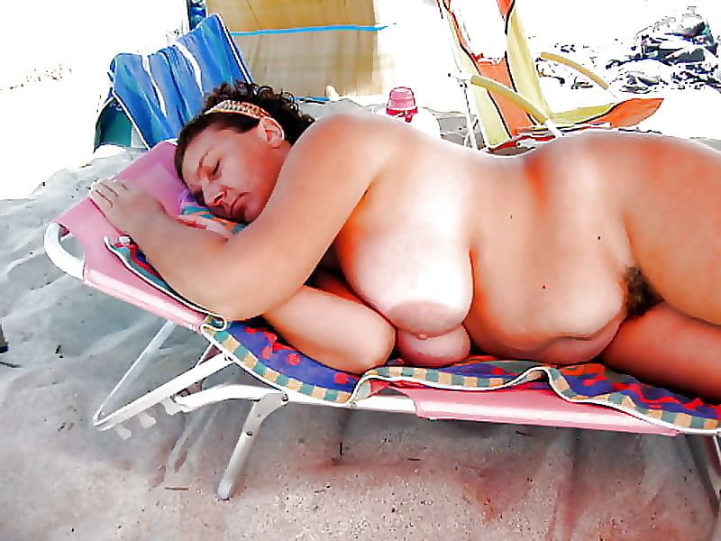 Mature fat neighbor couple having sexy time in the backyard