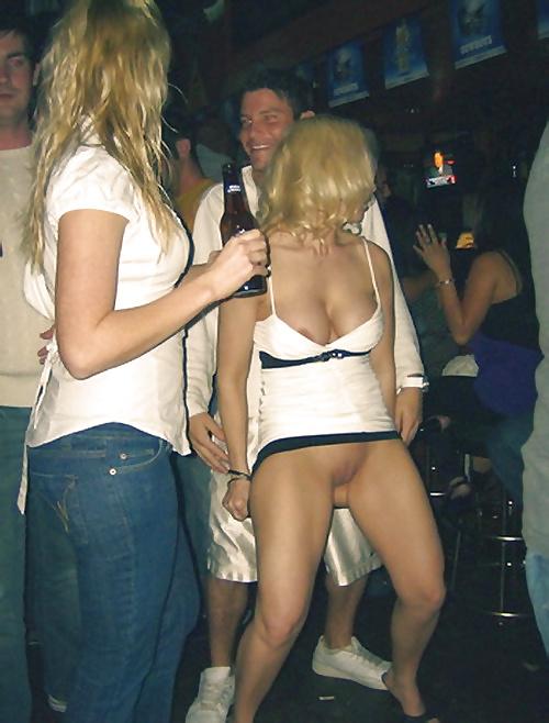 Русская дискотека без трусов, частное фото женщина с большой попой