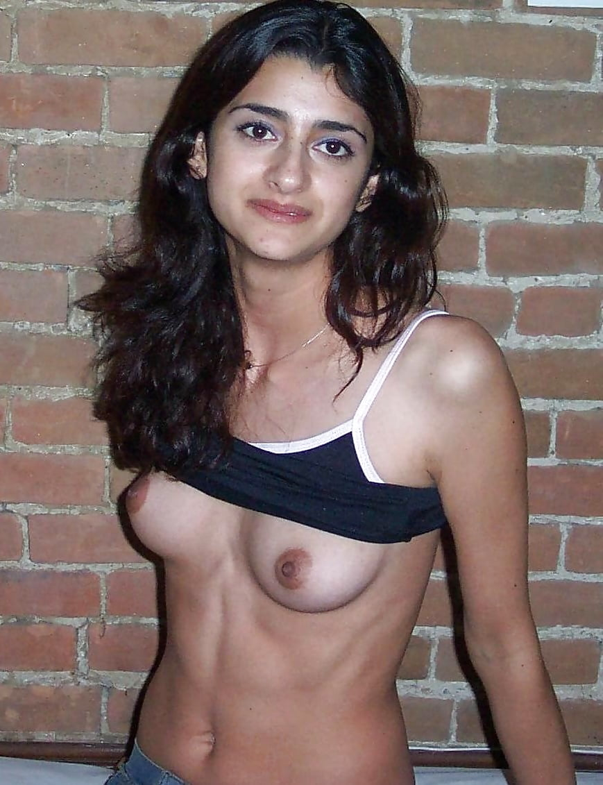 Pakistani college girls in nude action
