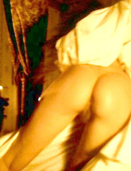 Young valeria golino bare tits and ass porn photo