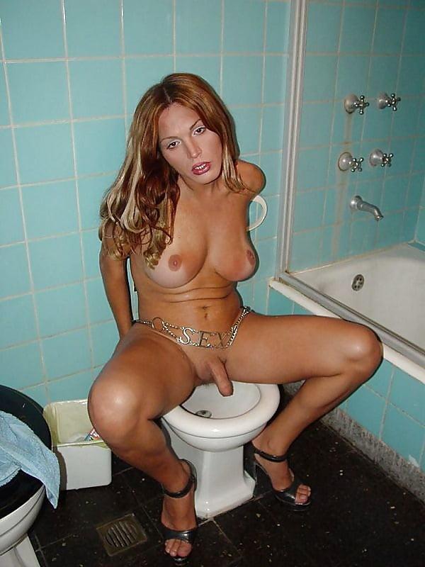 kolgotkah-v-kakoy-tualet-hodyat-transi-bolshoy-grudyu