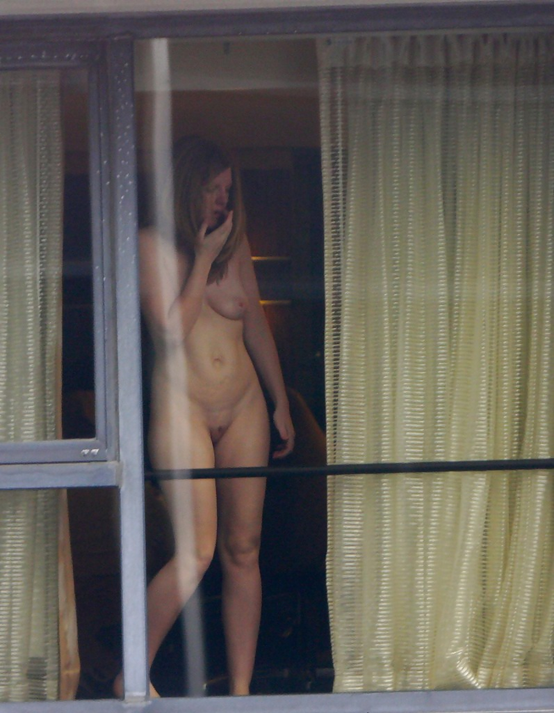 caught-naked-hotel-window
