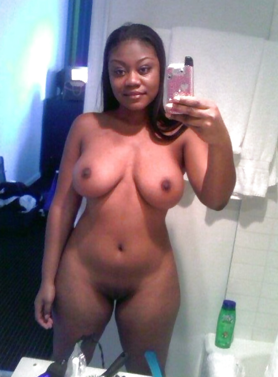 self-shots-naked-pussy-black-woman-topless-bikini-galleries