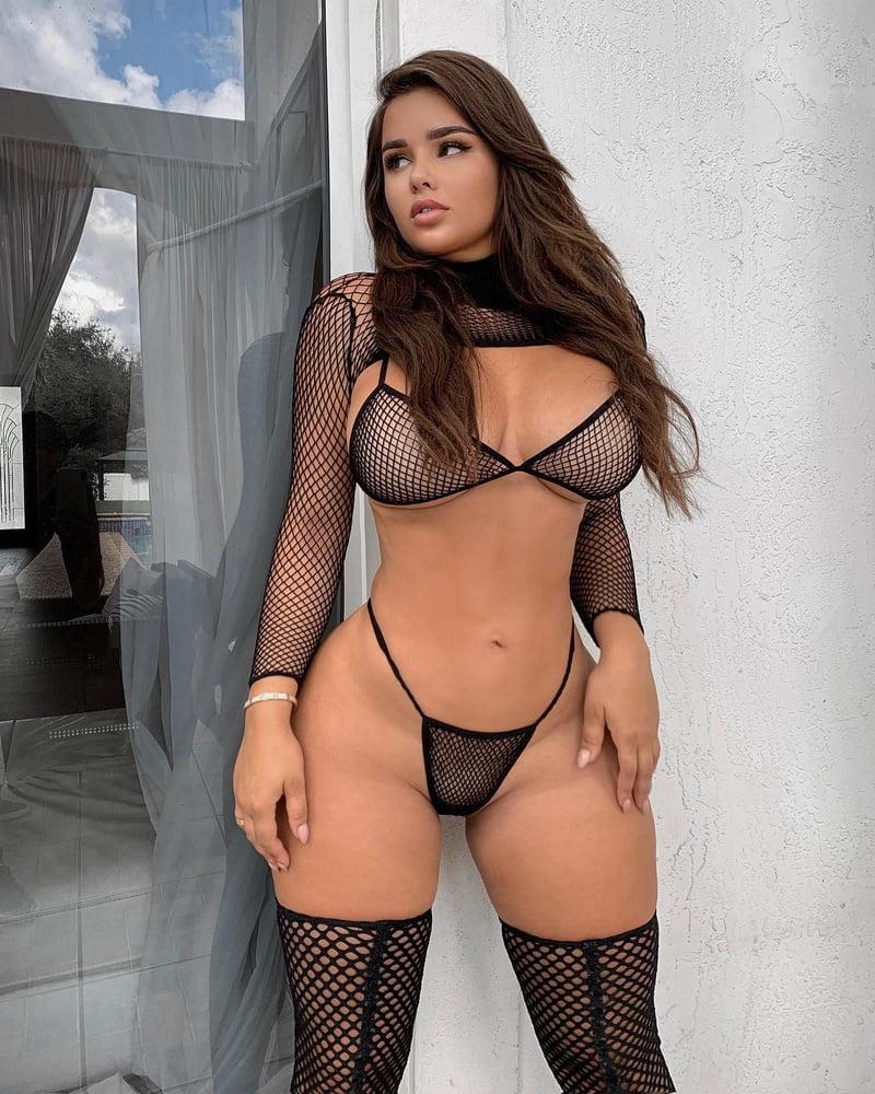 Hottest Insta Models - 22 Pics