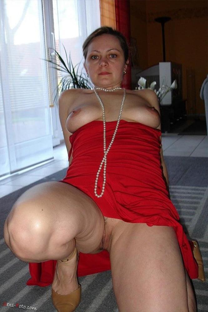 зрелая в красном наряде порно - 13
