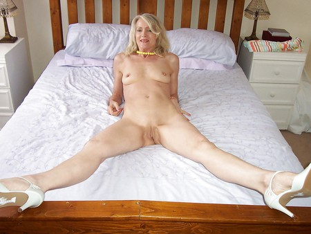 naked online alarm clock