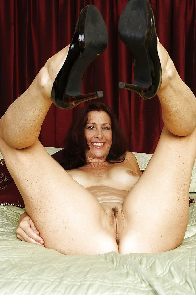 Brothers mature models pussy legs
